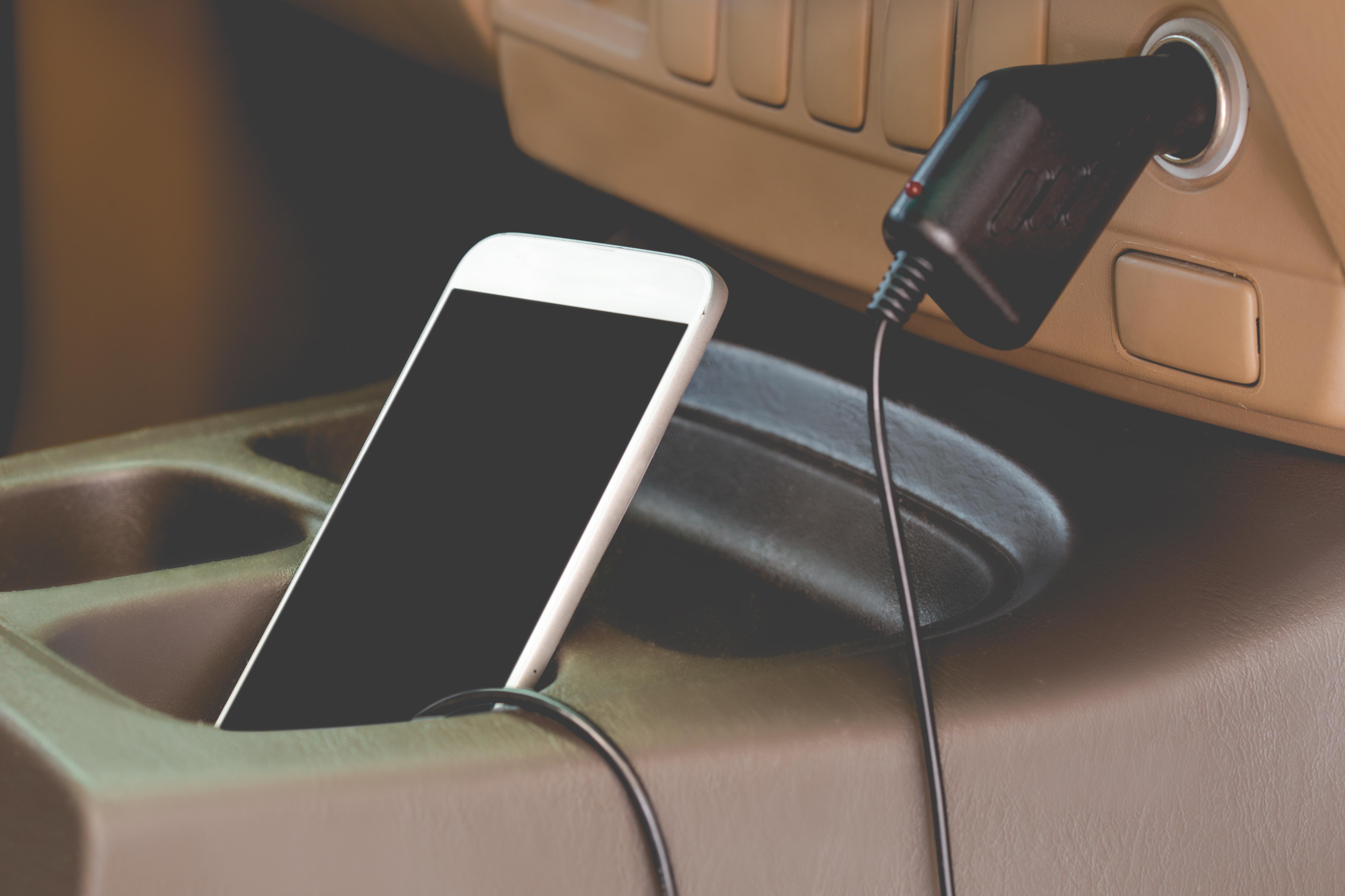 accesorios smartphone cargador coche