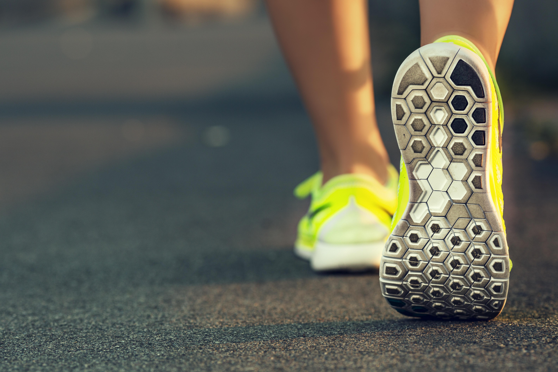pulsera de actividad: dar 10000 pasos diarios